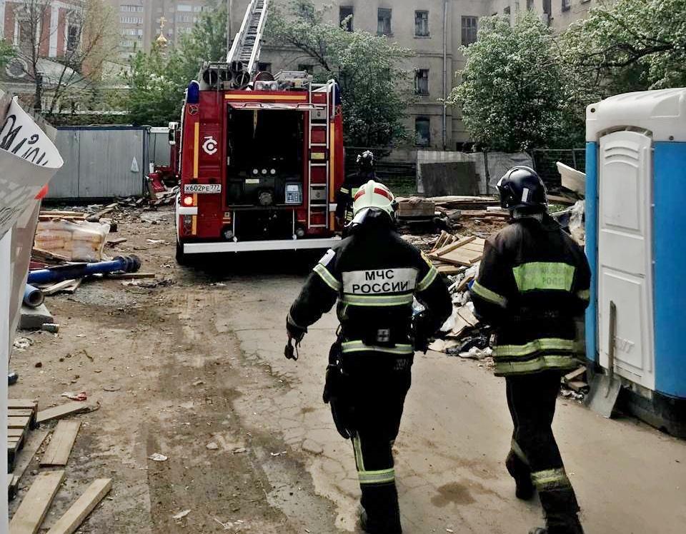 Пожарные ЦАО оперативно ликвидировали возгорание. Фото: пресс-служба префектуры ЦАО