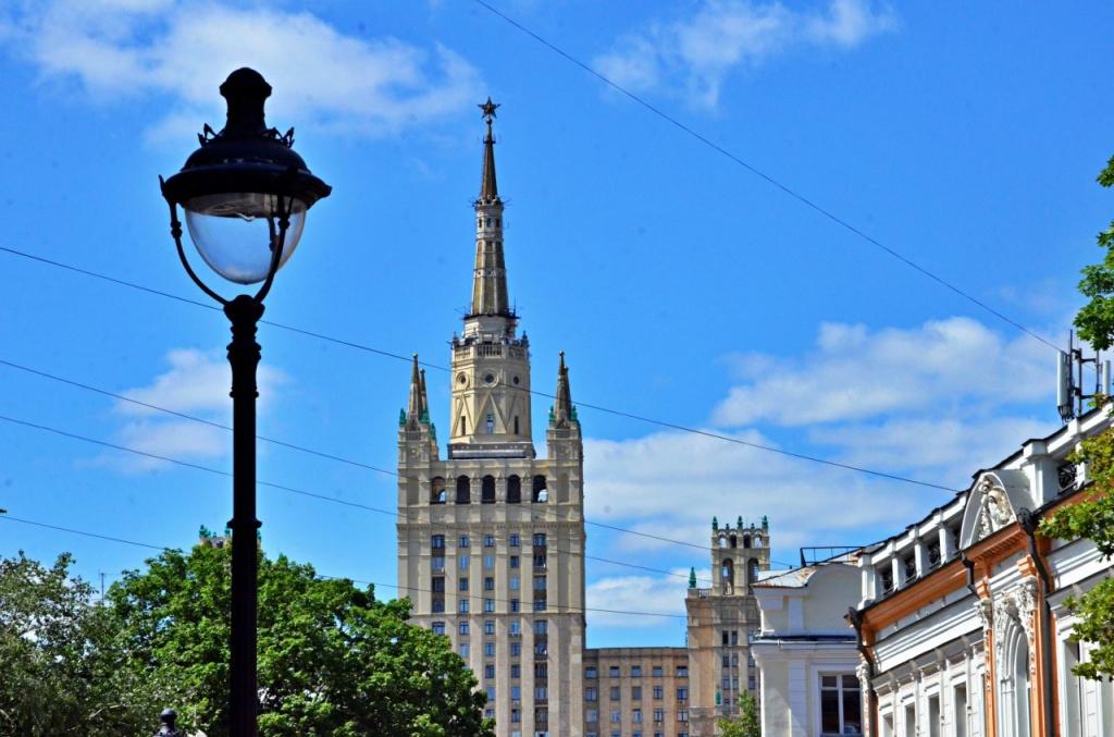 Новые элементы уличного освещения установят в центре Москвы. Фото: Анна Быкова