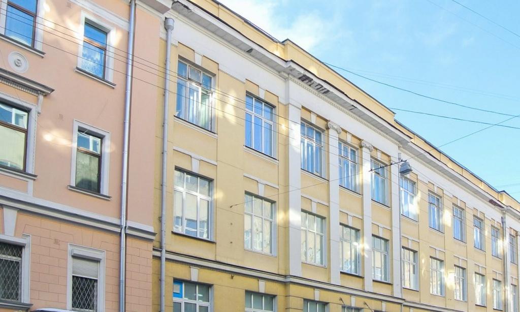Несанкционированные надписи удалят с фасадов зданий в Басманном районе. Фото: сайт мэра Москвы